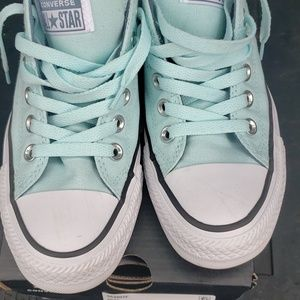 Women's Chuck Taylor All Star Madison Low Top Snea